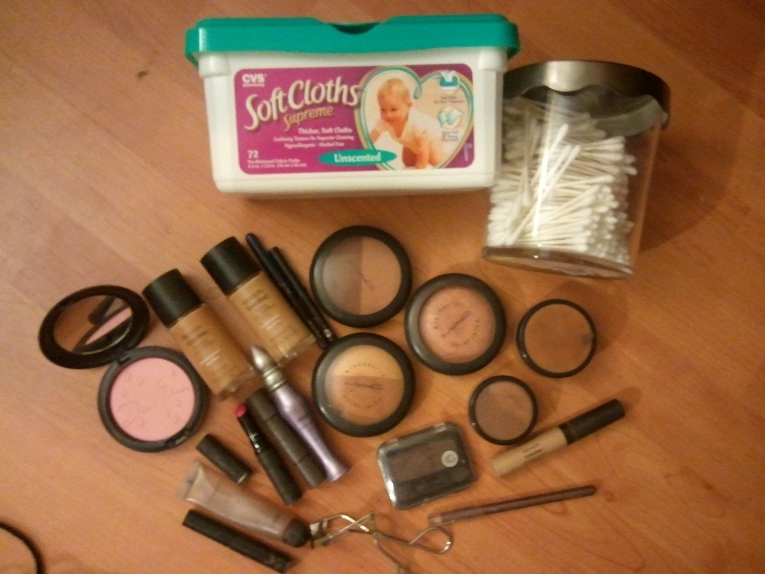 Essentials in my Makeup Kit