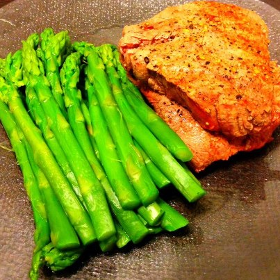 Fillet Mignon and Garlic Asparagus